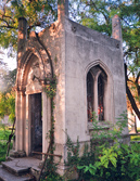 Готический склеп на Старорусском кладбище Симферополя